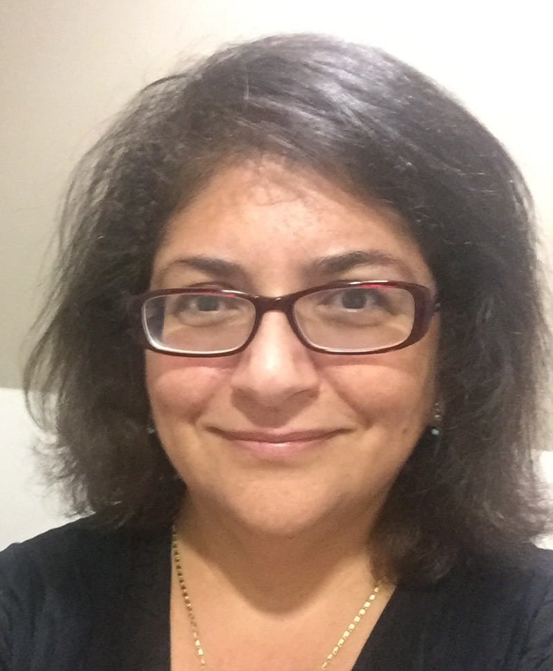 Mona Saleh  BSc FHGSA (GC) PhD  @DNAdownunder  Senior Genetic Counselor and Program Leader at  Centre for Genetics Education